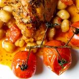Casserole z kurczaka, ciecierzycy i suszonych pomidorów