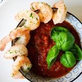 Krewetki z pikantnym sosem pomidorowym