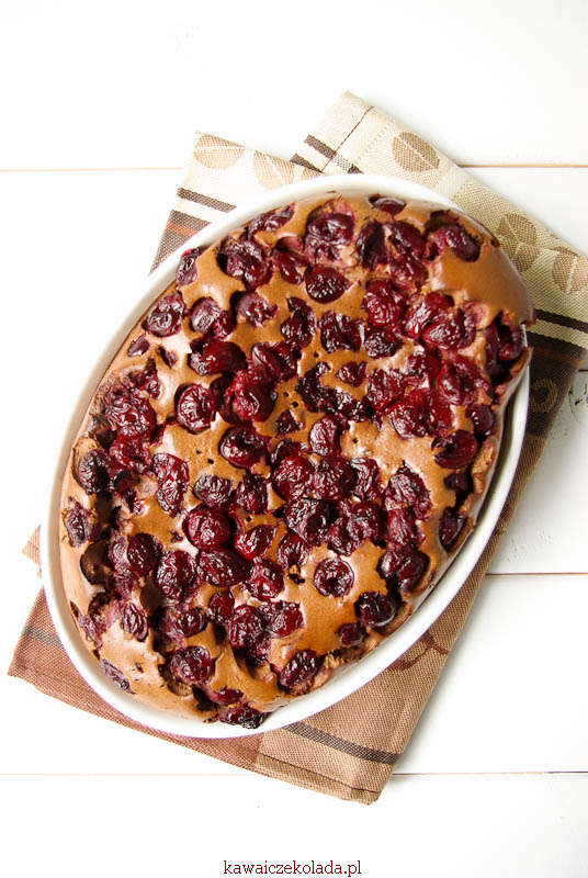 Flaugnarde czekoladowe z wiśniami (53)