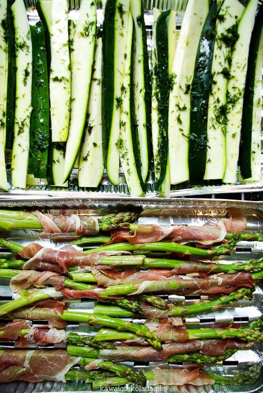 szparagi i cukinia z grilla (32)