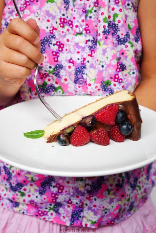 sernik z czekoladą i owocami (38)