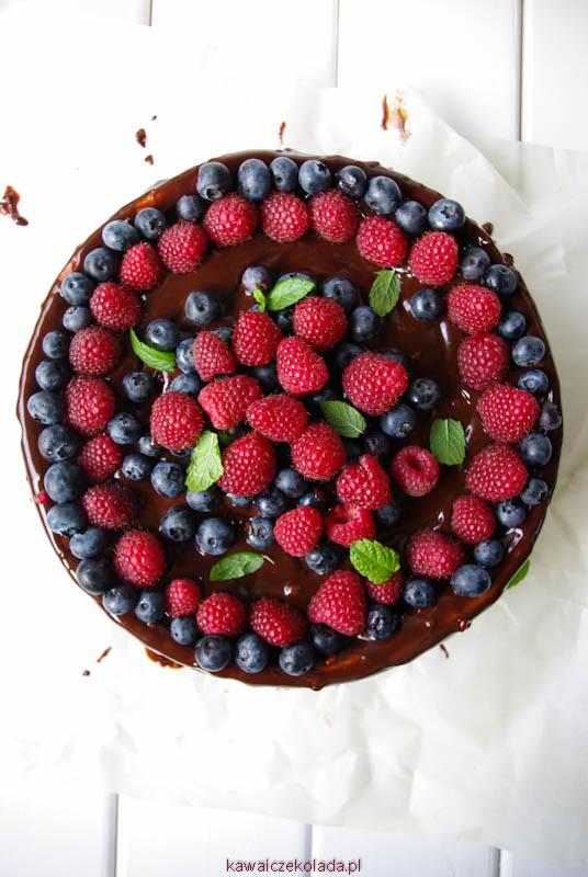 sernik z czekoladą i owocami (4)