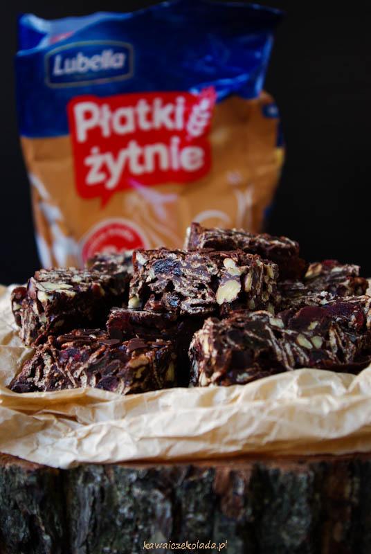 czekoladowe-ciasteczka-z-platkow-zytnich-33