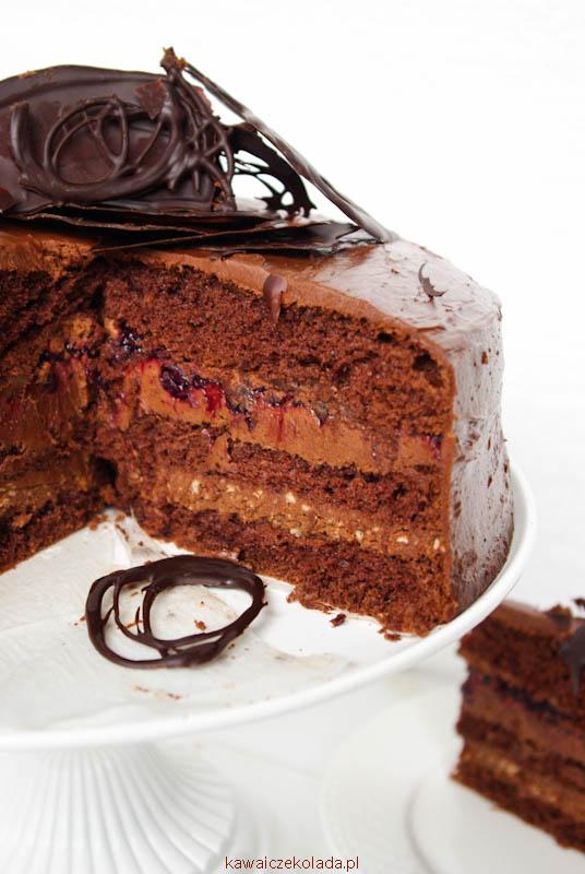 tort-czekoladowy-z-czarna-pozeczka-ii-25