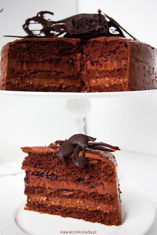 tort-czekoladowy-z-czarna-pozeczka-ii-39