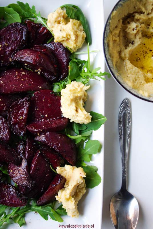 salatka-z-pieczonych-burakow-i-hummusu-11
